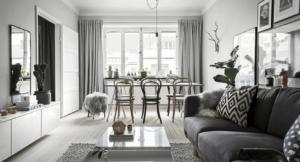 Венские стулья в белой комнате